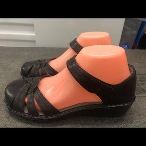 New Balance Aravon Black Ankle Strap Sandals